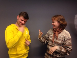 Karin Hoyer and Janne Kankkonen, Board member of Finlandssvenska teckenspråkiga rf (Finland-Swedish Sign Language Users), celebrate the legal recognition of FinSSL this month