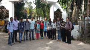 The research assistants and peer tutors with training leaders Sibaji Panda and Uta Papen